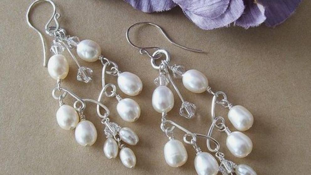 Pasos para hacer unos pendientes fáciles de perlas