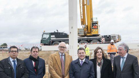 García Page inaugurando una nave logística de Mountpark en Toledo