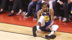 Kevin Durant, tras lesionarse en las finales de la NBA.
