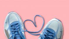 Todos los pasos para hacer una pulsera con unos cordones de zapatos