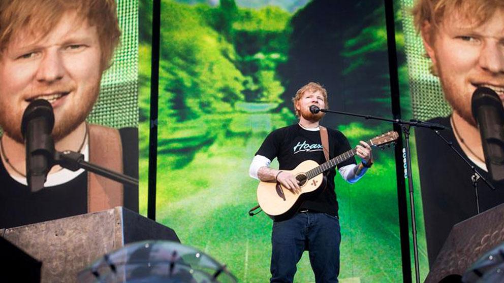 El cantante, compositor y guitarrista británico Ed Sheeran, el artista que más discos vendió en el mundo en 2017, durante el concierto ofrecido esta noche en el Wanda Metropolitano, en Madrid, en el que ha interpretado temas de su triunfal disco «Divine». Foto: EFE