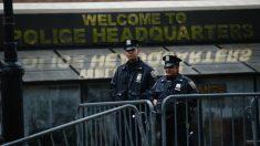 Dos agentes de Policía de Nueva York. Foto: AFP