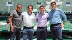 Primera fotografía de Francesc Rubi en el Benito Villamarín como entrenador del Betis (@RealBetis)