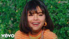El collar de Selena Gomez