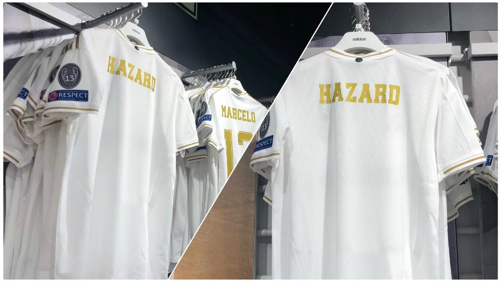 La camiseta de Hazard ya se vende en la tienda del Real Madrid. (Iván Martín)