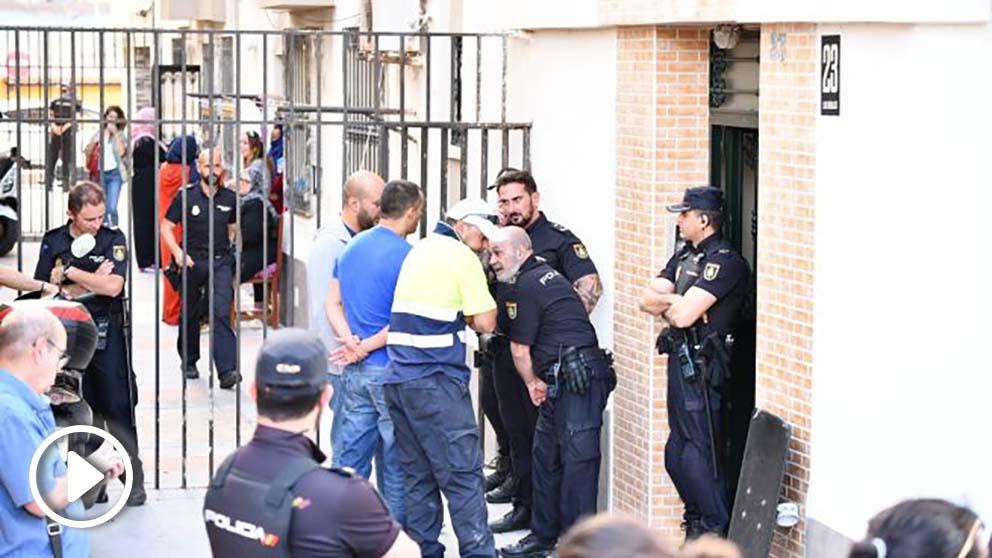 Policía Nacional en la casa del Guardia Civil que se ha quitado la vida tras disparar a su mujer @Ep