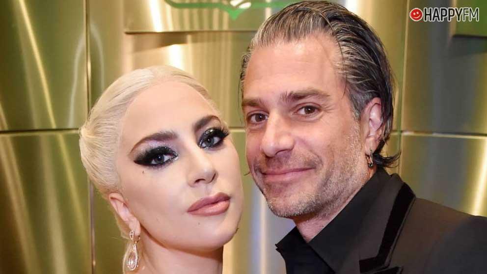 El ex de Lady Gaga coquetea con Irina Shayk