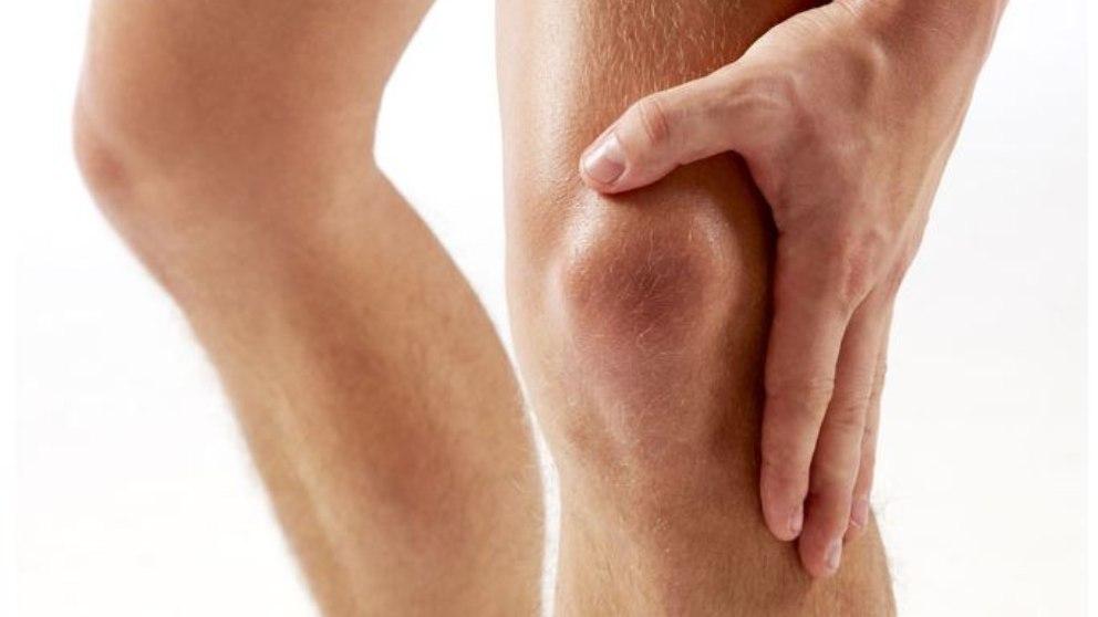 Para fortalecer las rodillas hay una serie de ejercicios que se pueden realizar de forma sencilla en casa.