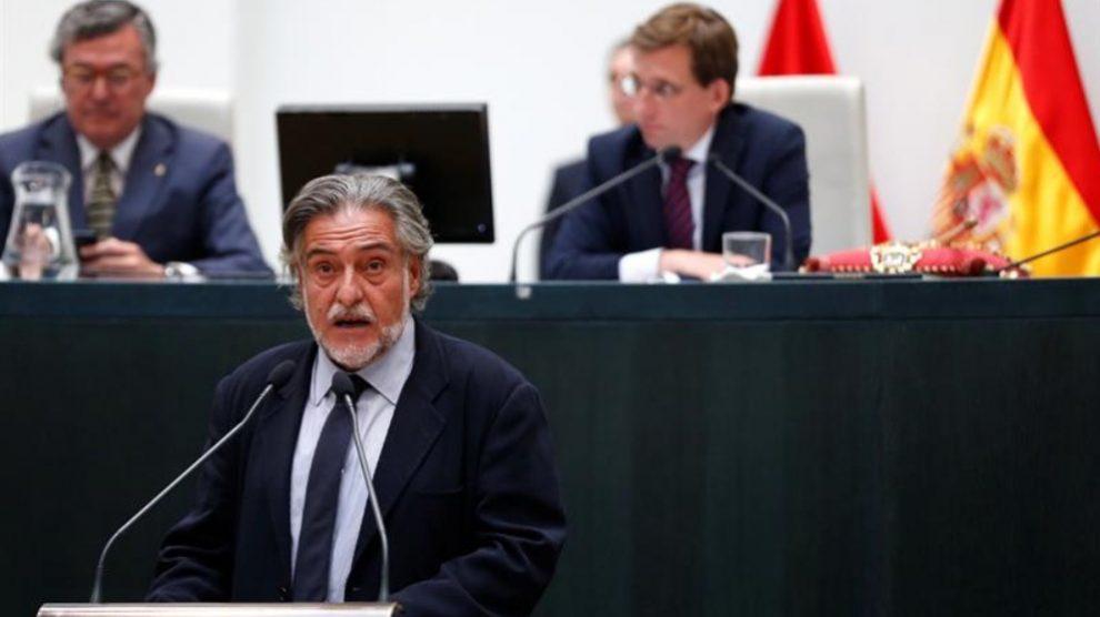 Pepu Hernández durante su intervención en el Ayuntamiento de Madrid (Foto: EFE)