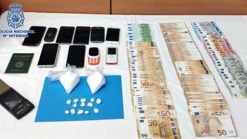 Dinero y droga incautada por la Policía. Foto: Europa Press