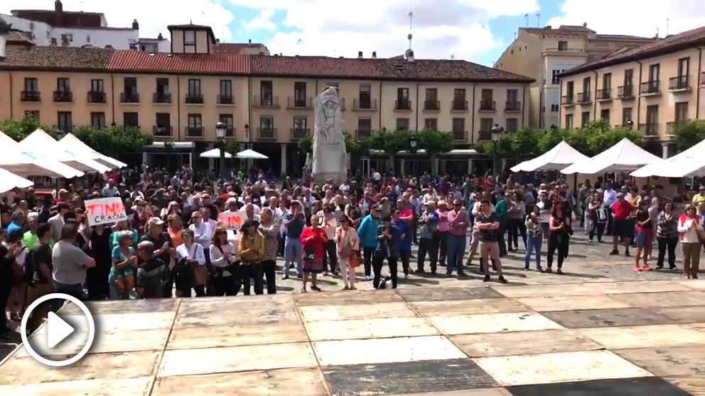 Protestas en Palencia contra el nuevo alcalde de C's.