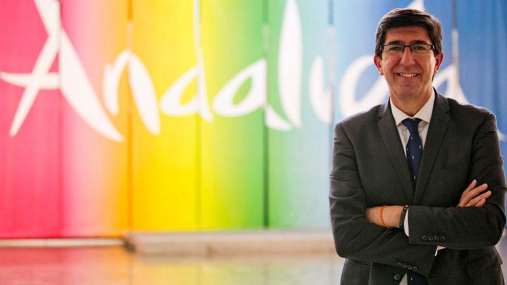 El vicepresidente de la Junta y consejero de Turismo, Juan Marín, durante una entrevista con Efe. Foto: EFE