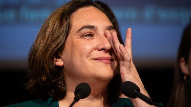 La alcaldesa de Barcelona, Ada Colau, llorando. Foto: EP