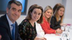 La diputada y vicesecretaria de Política Social del PP, Cuca Gamarra, en una reunión del partido. Foto: EP