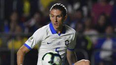 Filipe Luis con Brasil (AFP)