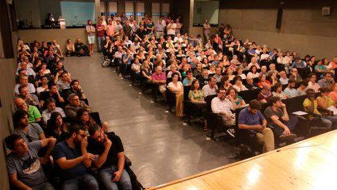 Votación de las bases de Més (Foto: EP)