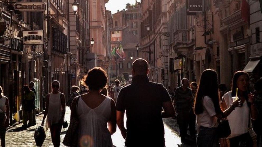Nápoles es una ciudad situada en el sur de Italia. Son muchos los que señalan que es una de las localidades con más encanto del país.