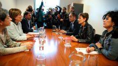 Negociación en Navarra entre Geroa Bai, con Uxie Barcos, y el PSN, con María Chivite (Foto: EP)