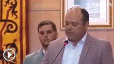 El concejal y portavoz del PSOE en el Ayuntamiento de Calpe (Alicante), Santos Antonio Pastor Morató, promete su cargo «por imperativo legal»