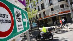 Una señal marca el lugar de comienzo de la zona de circulación restringida Madrid Central. Foto: EP