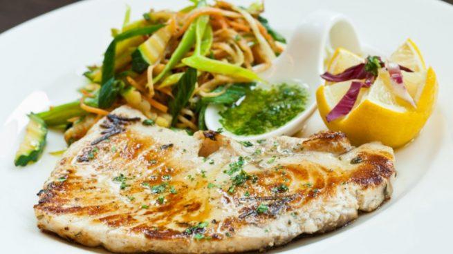 Receta de pez espada con salsa de espárragos