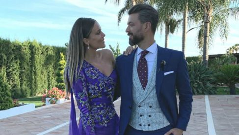 Lorena Gómez y René Ramos en la boda de Sergio Ramos. (@reneramosoficial)
