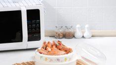 ¿Se puede cocer el marisco en el microondas?