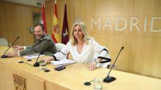Las nuevas banderas en la sala de prensa. (Foto. Madrid)