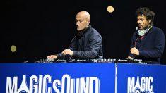 Humbert Blanc-Francard (izq) y Philippe Zdar (dcha), integrantes del dúo electrónico Cassius, durante una actuación. Foto: AFP