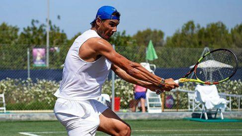 Rafa Nadal se entrena en las pistas del Mallorca Open. (Instagram)