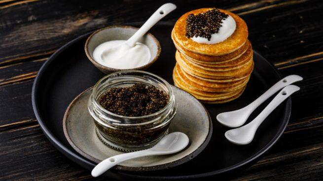 Receta de caviar con blinis