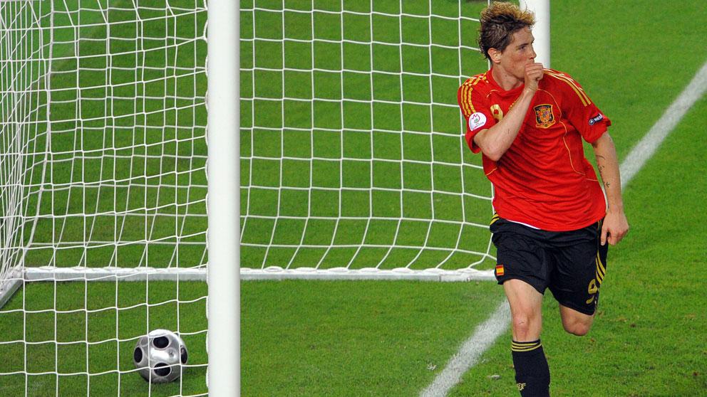 Fernando Torres celebrando el gol contra Alemania en la Eurocopa 2008