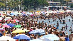 Turistas en una playa de España (Foto: iStock)