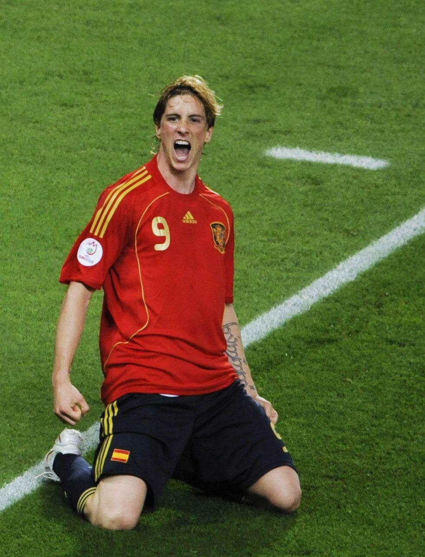 Su debut con el Atlético, el ascenso con Luis Aragonés o el gol ante Alemania: los 9 momentos de la carrera de Fernando Torres