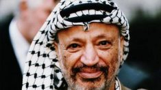 El 1 de julio de 1984 el líder de la OLP, Yasser Arafat, regresa a Palestina