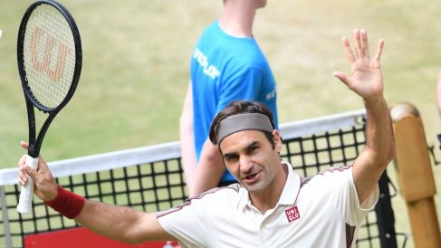 Roger Federer logró su décimo título en Halle. (AFP)