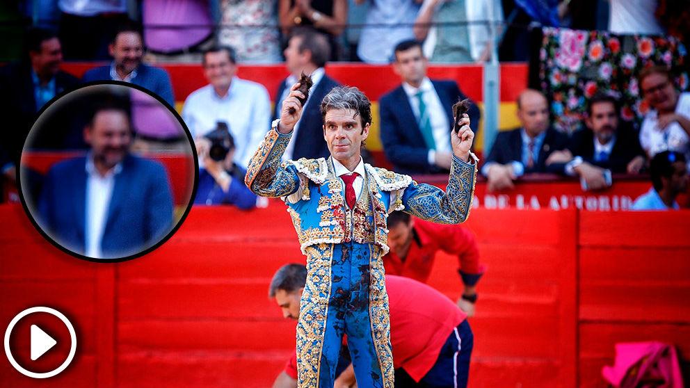 José Luis Ábalos fue a ver a José Tomás en Granda después de llamar «casposos» a los aficionados taurinos