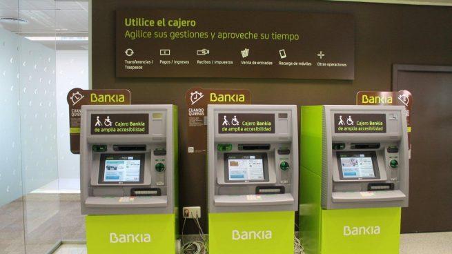 Los clientes de ING podrán seguir usando cajeros de Bankia sin comisiones si sacan más de 50 euros