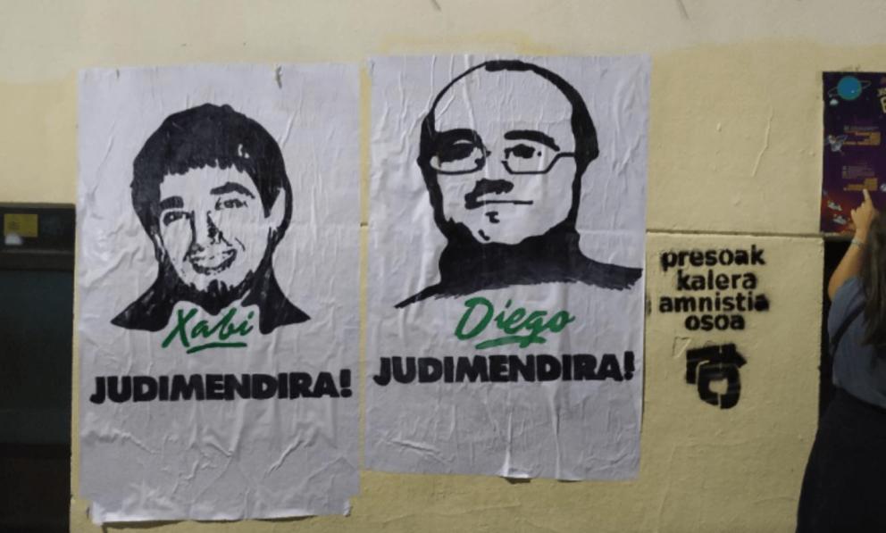 Carteles con las fotos de etarras en Vitoria retirados @Twitter