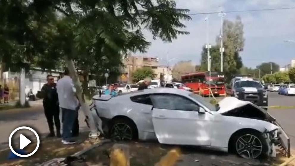 El coche de Joao Maleck accidentado.