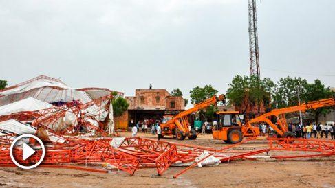 Carpa hundida en Jasol, India (Foto: AFP)