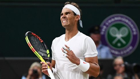 Rafa-Nadal-se-lamenta-tras-perder-un-punto-en-la-semifinal-ante-Djokovic-en-2018-(Getty)