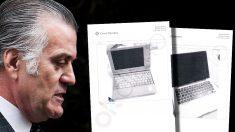 Luis Bárcenas, junto a la foto de sus dos ordenadores personales.