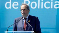 El presidente de la Generalitat, Quim Torra, interviene durante el acto de entrega de los diplomas de la 32 promoción de la Escuela de Policía de Cataluña, en en el que se han graduado 804 agentes, de ellos 454 para los Mossos d'Esquadra y 350 para las policías locales de 84 ayuntamientos catalanes. Foto: EFE