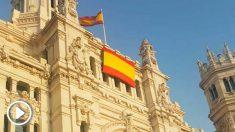 Bandera de España en el Ayuntamiento de Madrid.
