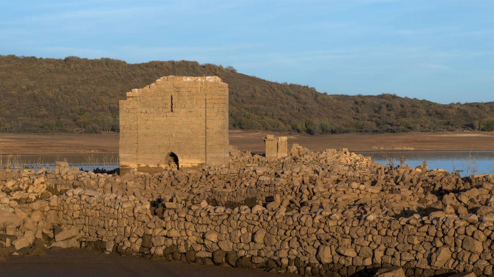 Iglesia – Cenera de Zalima (Embalse de Aguilar de Campoo (Foto: Fundación Santa María La Real)