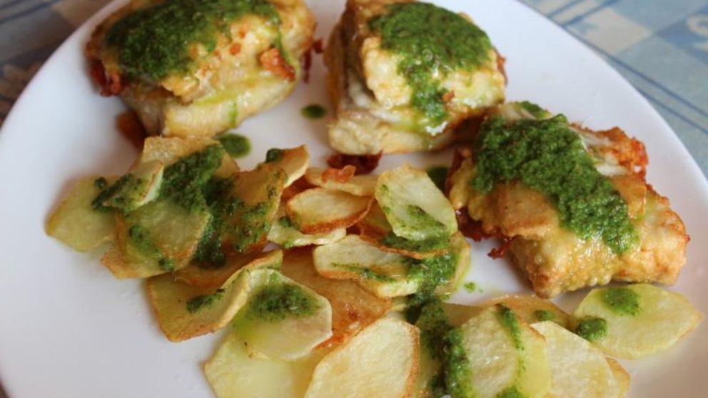 Lomos de merluza con mojo de cilantro