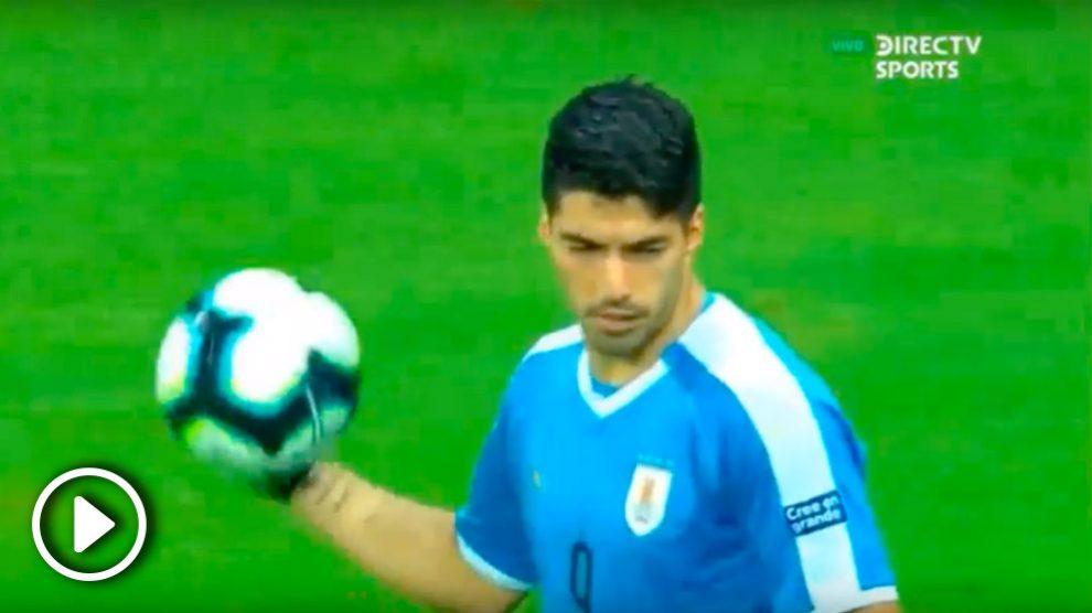 Luis Suárez falló el penalti que eliminó a Uruguay en la tanda de penaltis ante Perú.