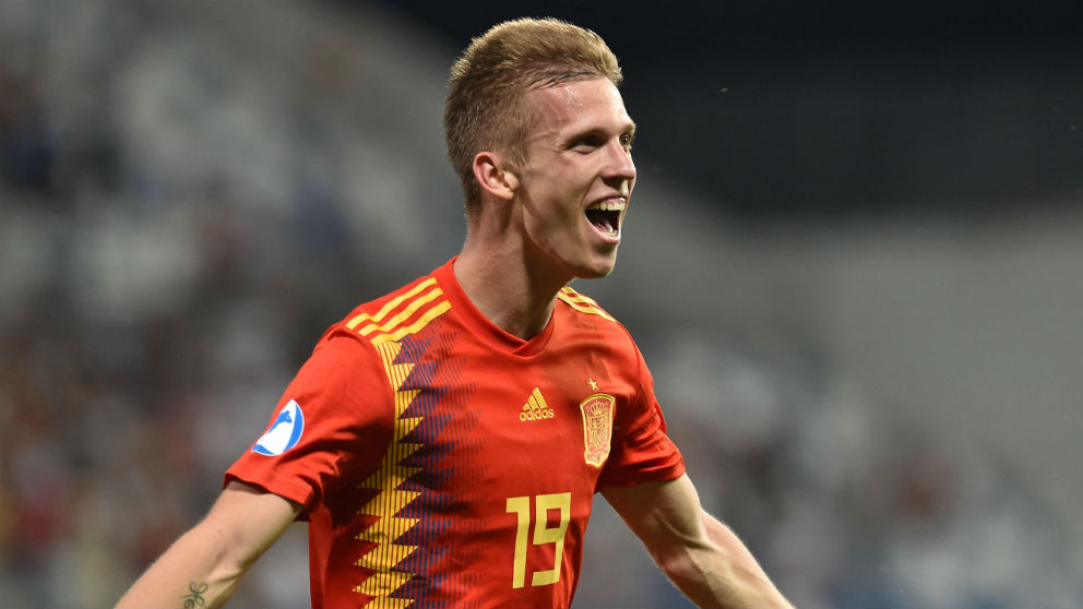 Dani Olmo celebra un gol con España. (Getty)