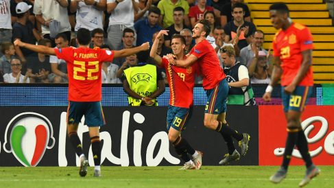 España celebra un gol ante Alemania. (Getty)